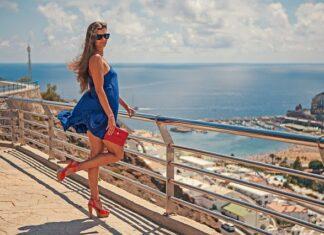 jakie buty do niebieskiej sukienki